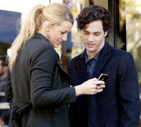 Blake Lively gave first iphone to Penn Badgley