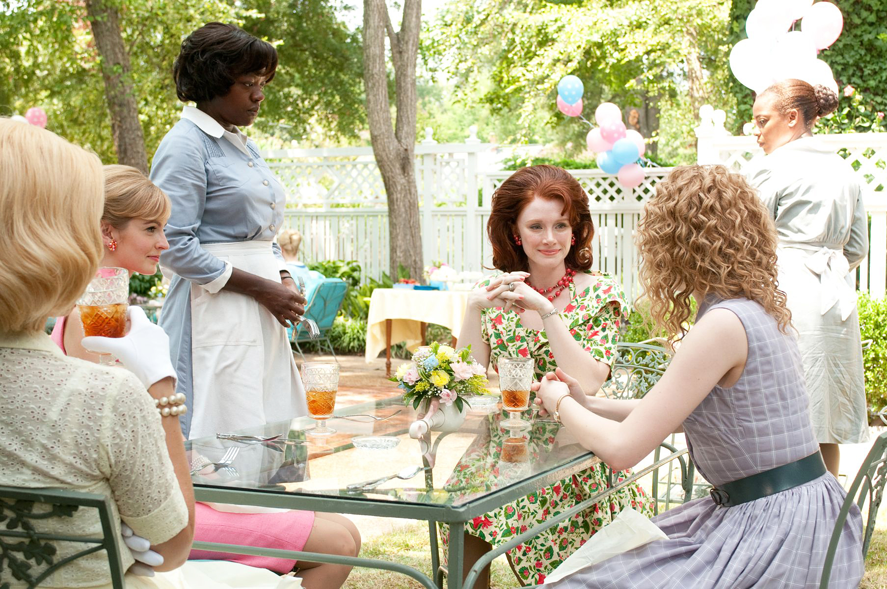 Viola Davis and Bryce Dallas Howard in The Help Bryce Dallas Howard Says She Wouldnt Star in The Help If It Were Made Today