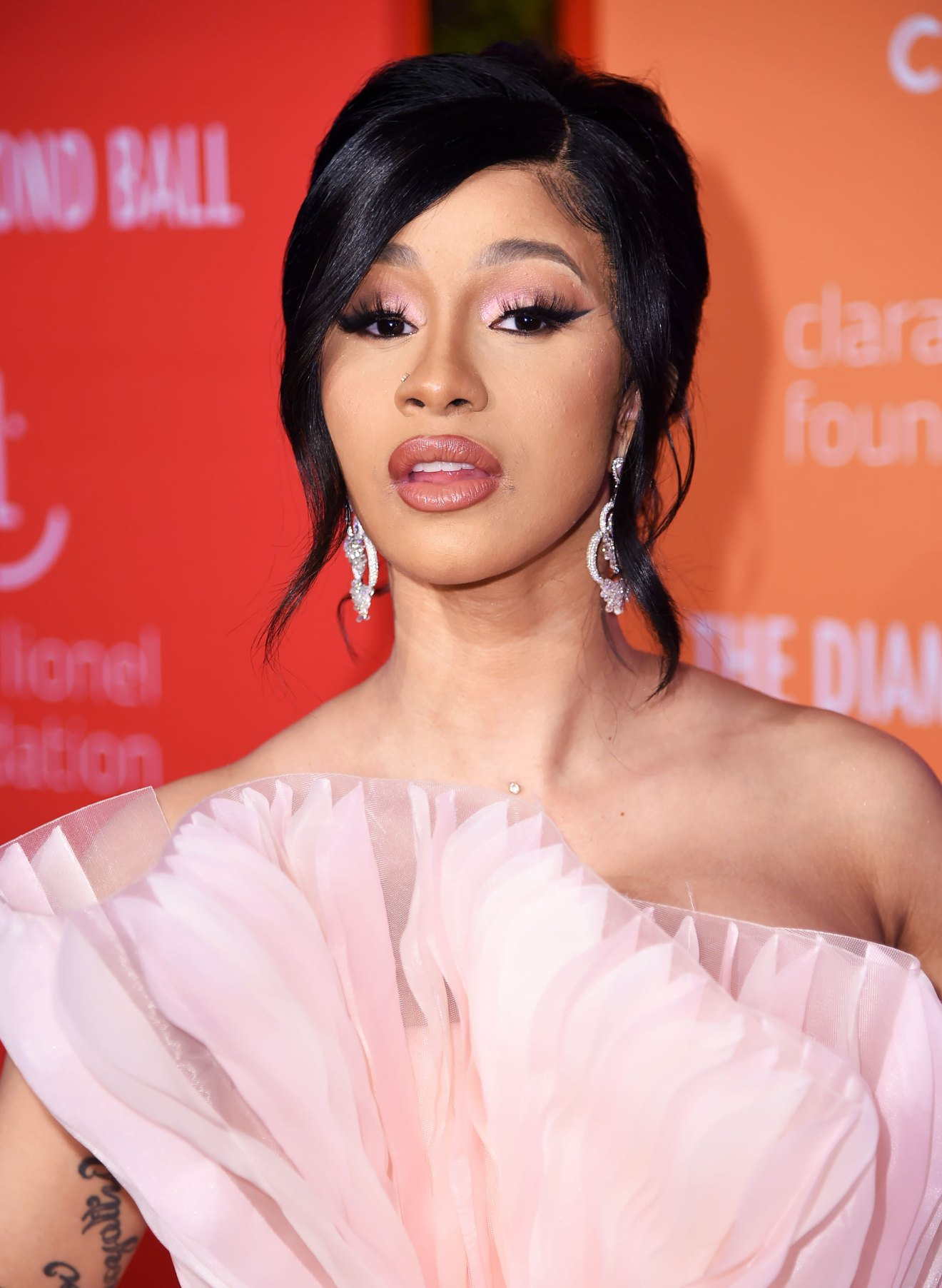 Cardi B Hand Tattoos: Cardi B Shares Footage Of Herself Getting Chest Piercings