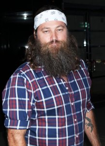 Duck Dynasty's Willie Robertson Gets Short Haircut for 1st Time in 15 Years
