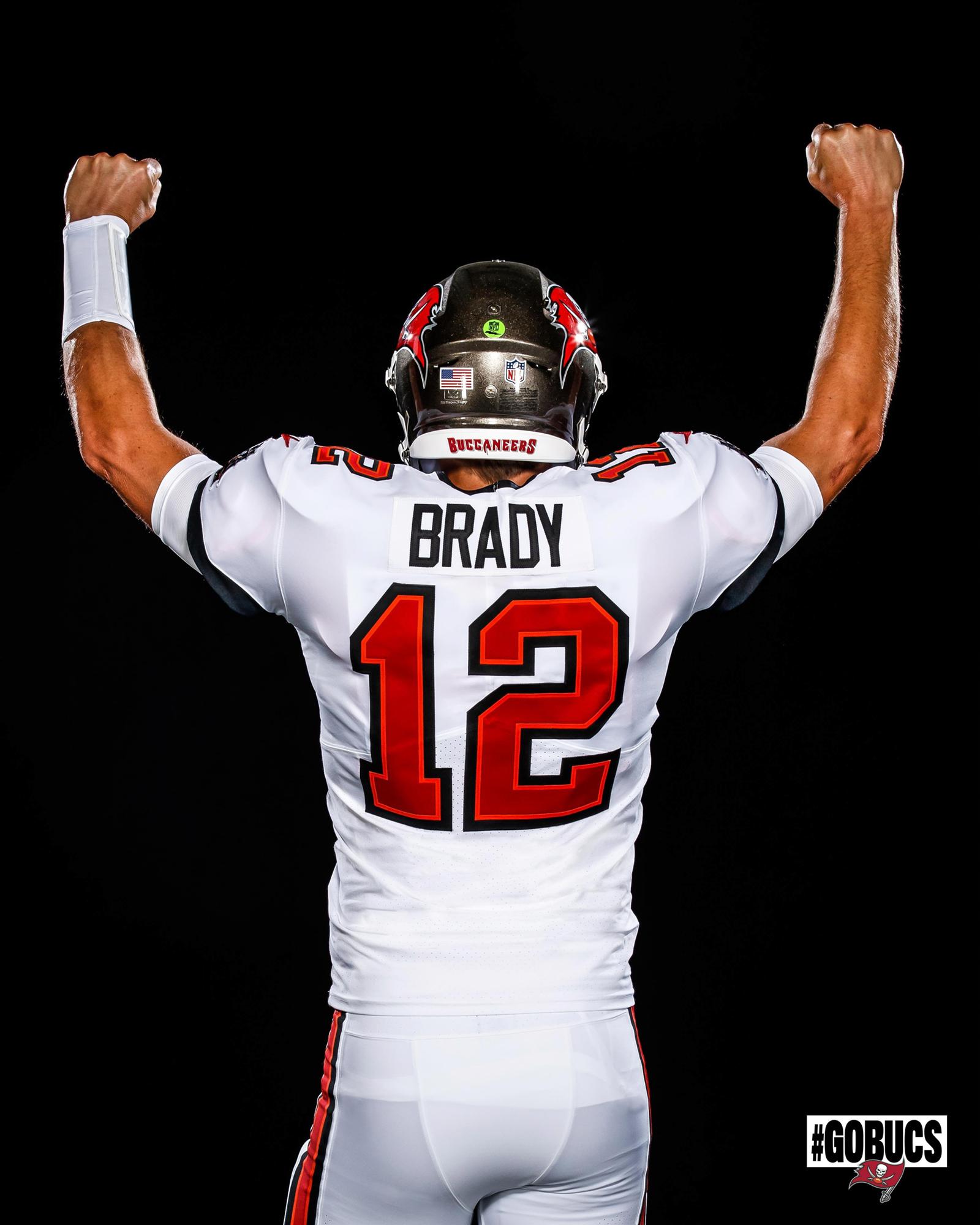 Gisele Bundchen Reacts To Tom Brady In Tampa Bay Uniform