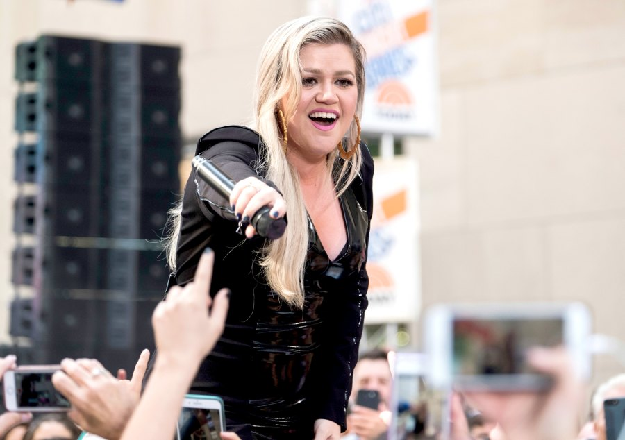 Kelly Clarkson's Most Uplifting Songs About Female Empowerment