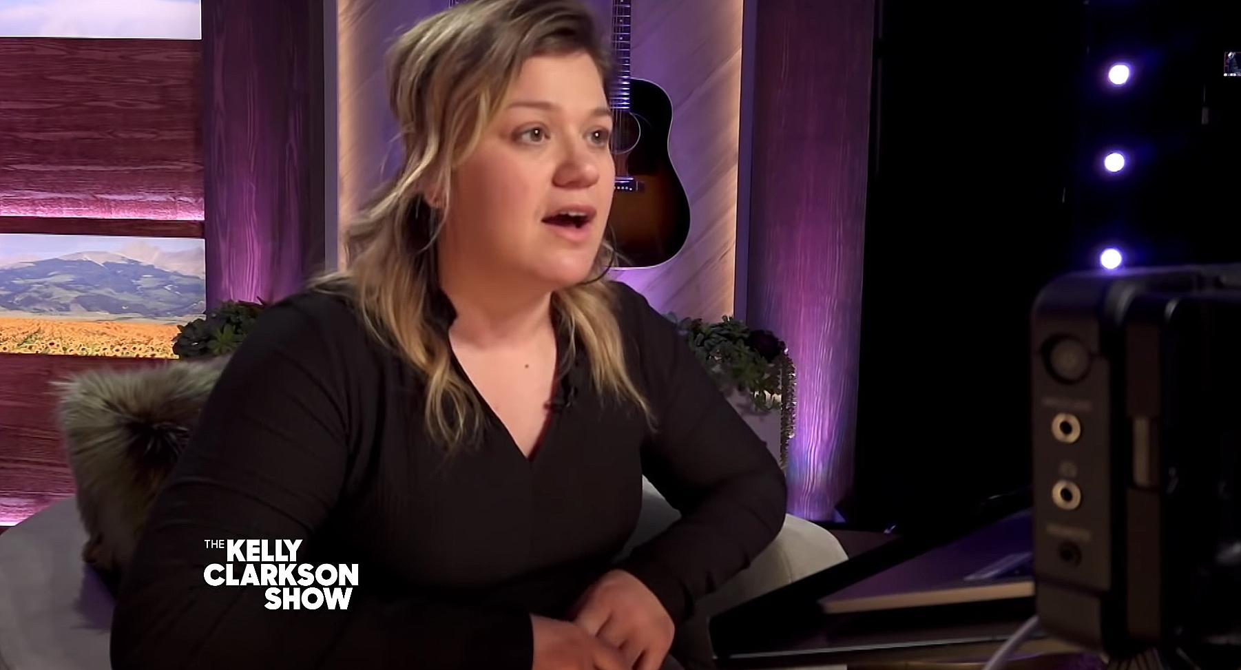 Kelly Clarkson not wearing wedding ring