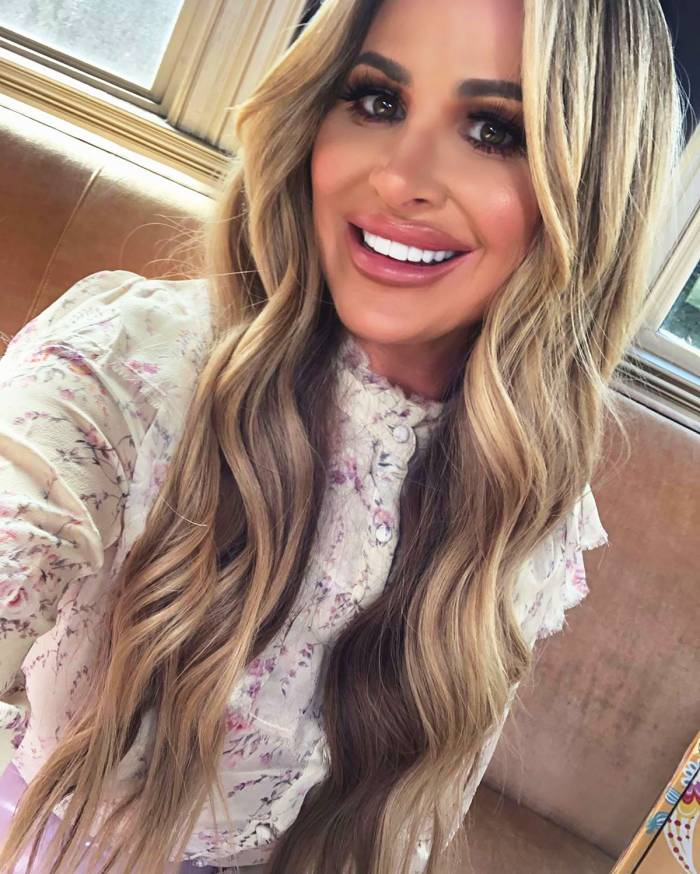 Kim Zolciak Claps Back at Critic for Photoshop Allegations