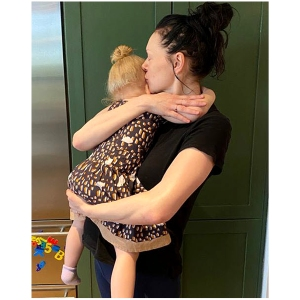 Laura Prepon Daughter Peed Everything After Meeting Her Baby Brother