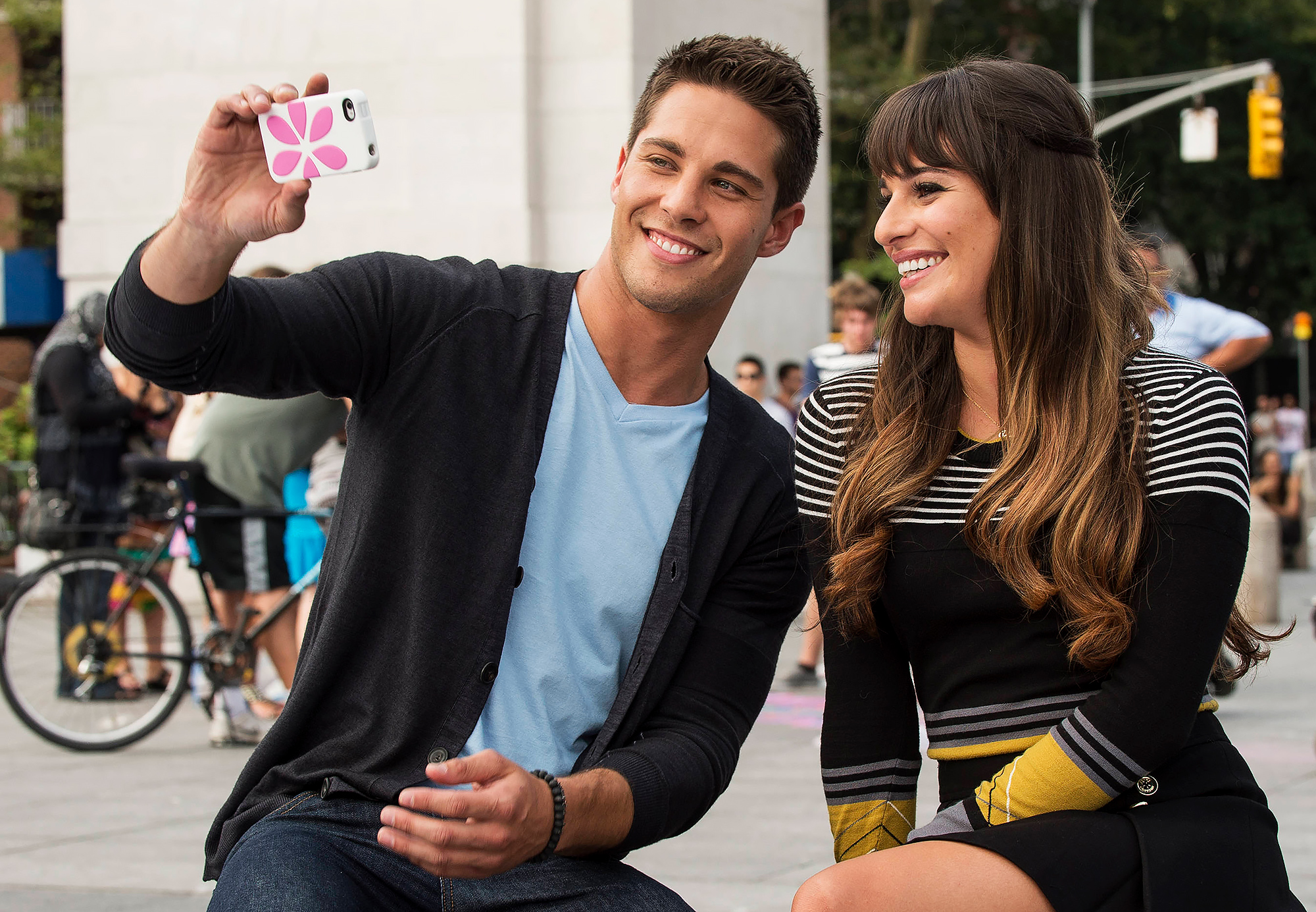 Lea Micheles Former Onscreen Glee Boyfriend Dean Geyer Defends Her
