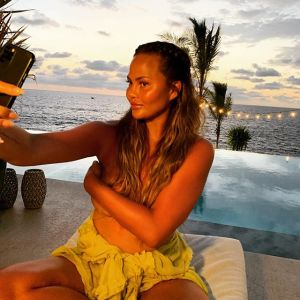 Chrissy Teigen Shares Pic of Breast Implant Removal Surgery and Scars
