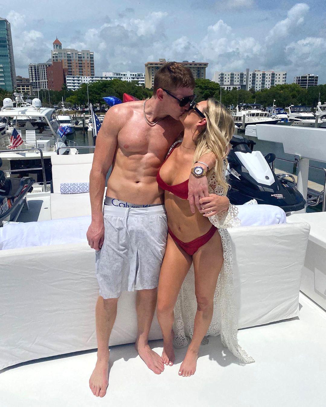 Is Siesta Key S Juliette Porter Engaged To Boyfriend Sam Logan