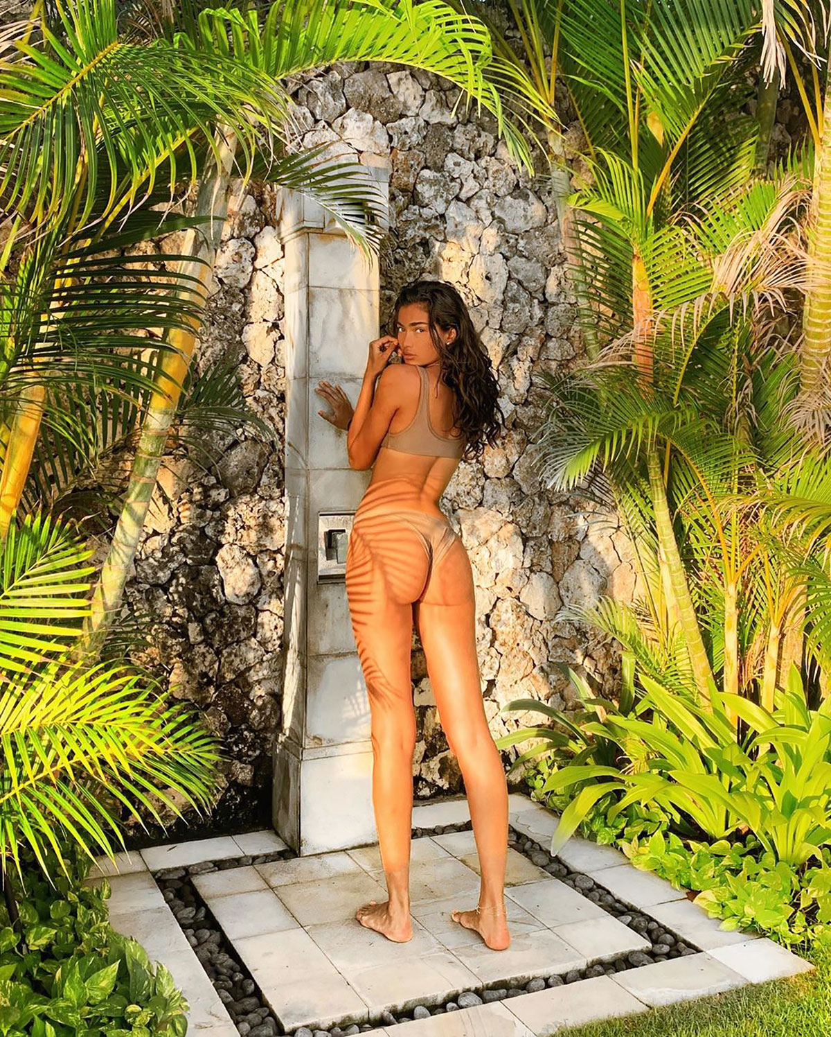 Kelly Gale  nackt
