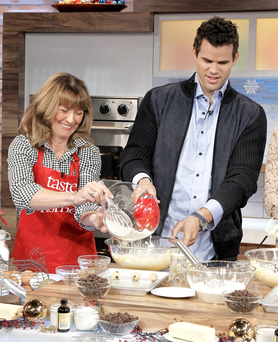 Kris Humphries cooking with mom GMA