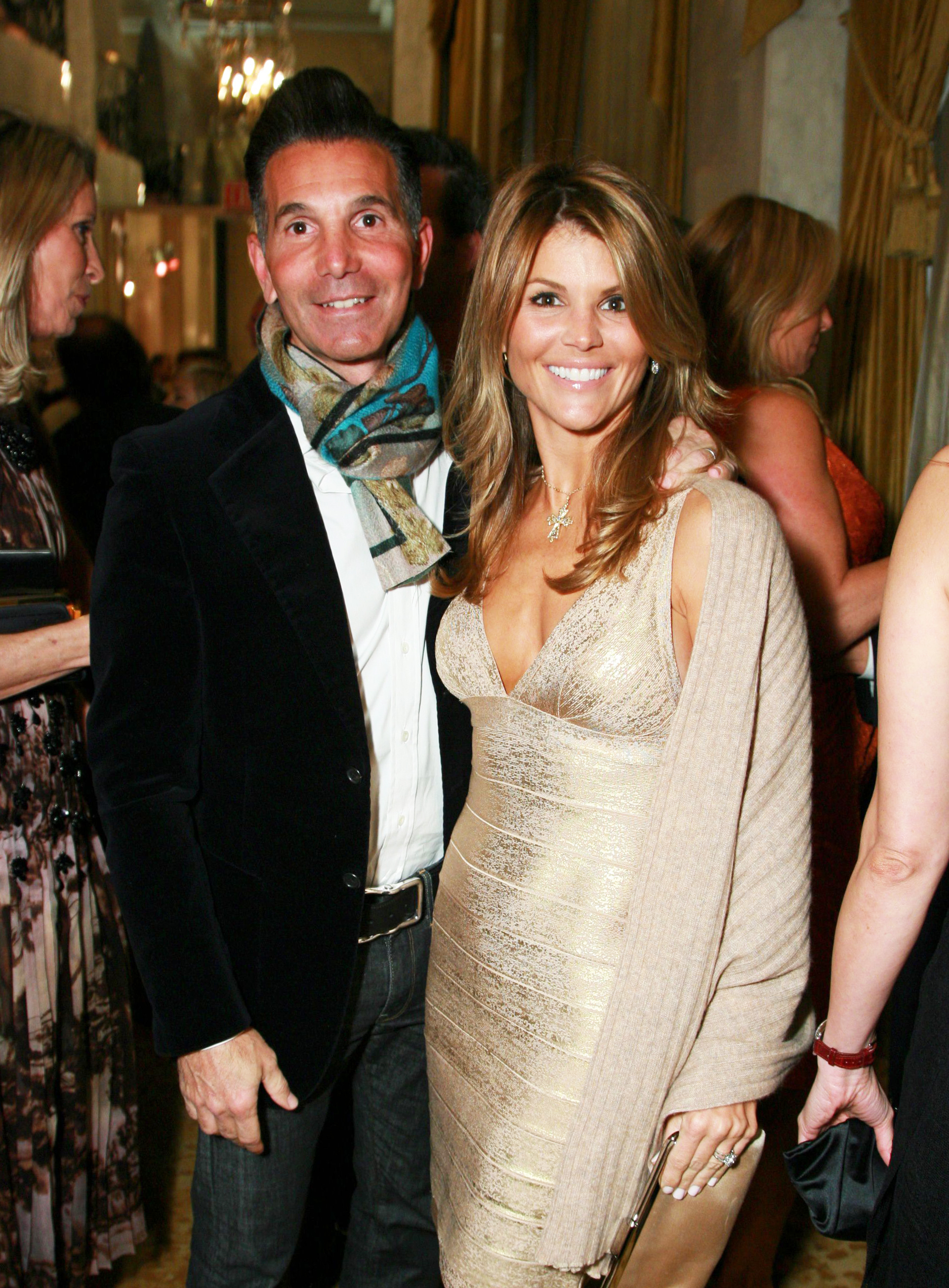 Lori Loughlin and Mossimo Giannulli Sell $18 Million Bel-Air Mansion Amid College Admissions Case