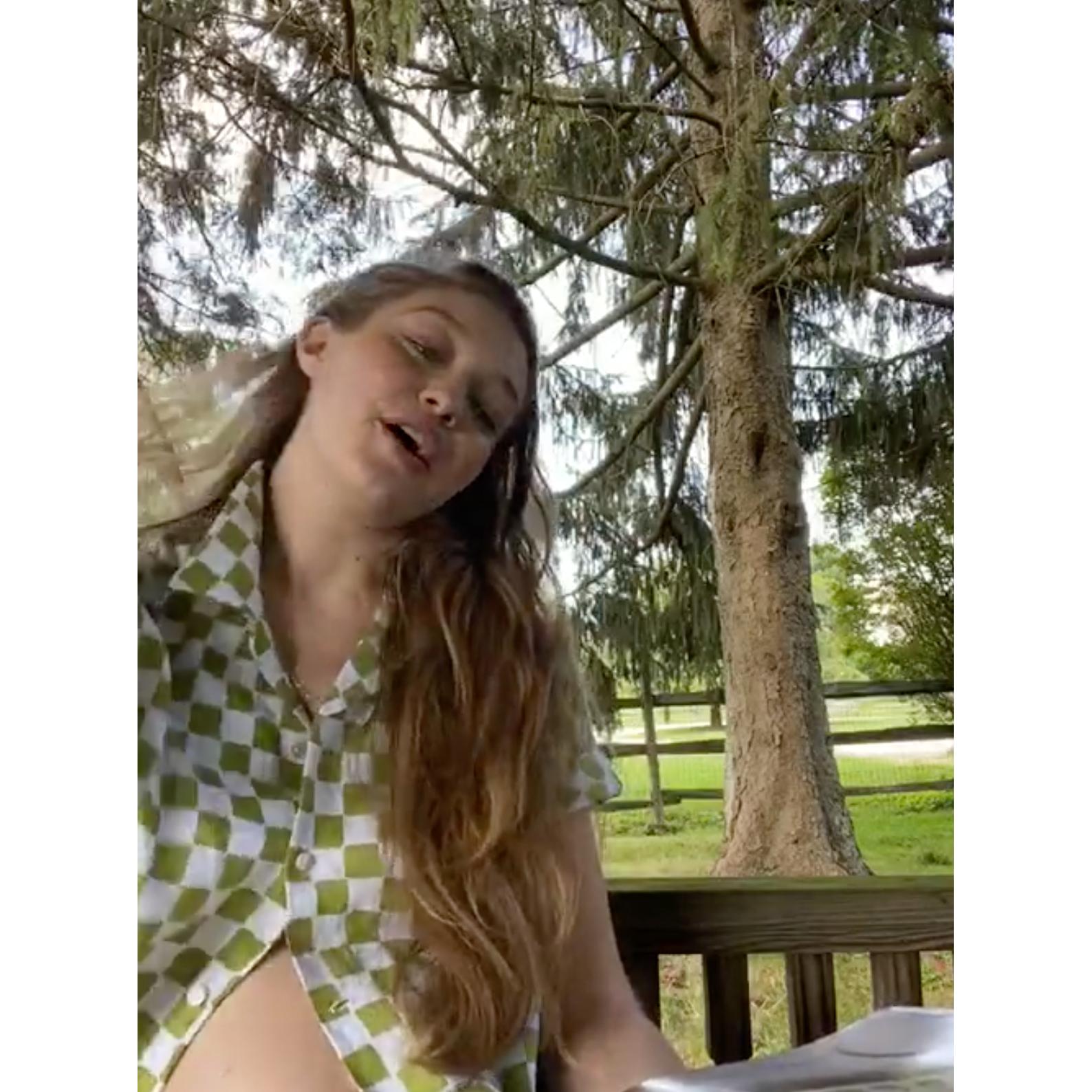 Pregnant Gigi Hadid Gives Rare Glimpse at Bare Baby Bump 2