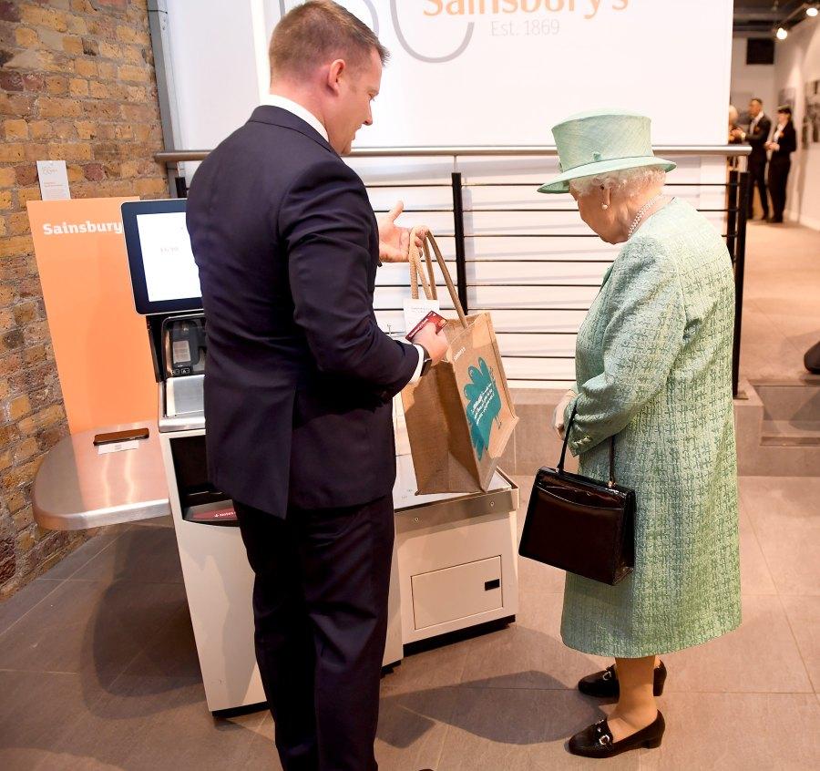 Queen Elizabeth II self check out