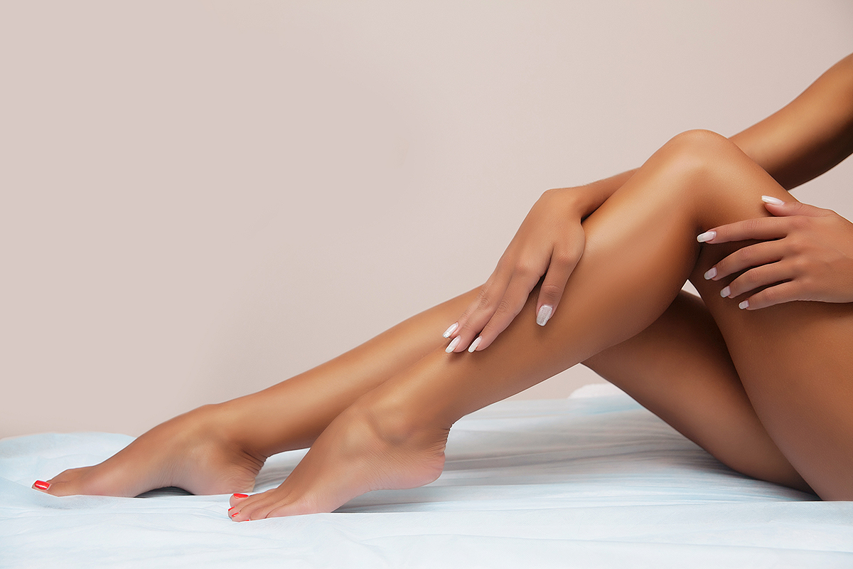 tanned-legs-lotion