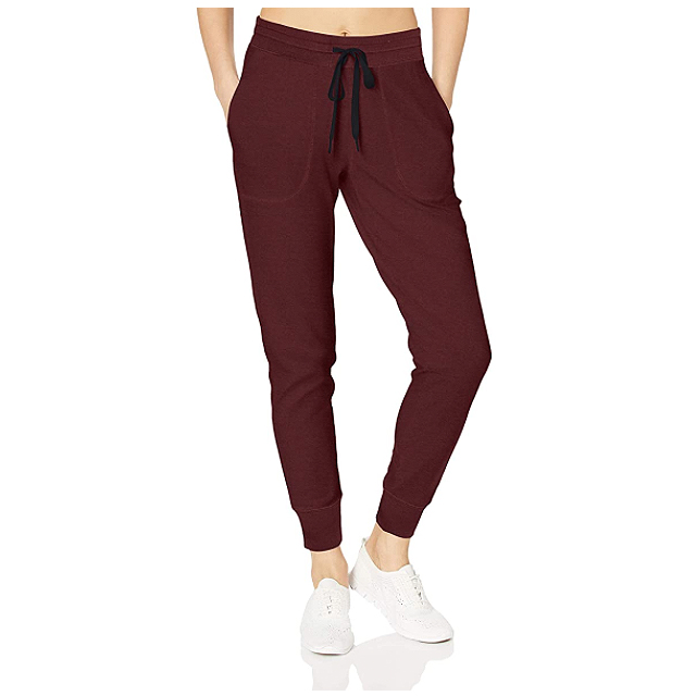 Amazon Essentials Women's Studio Terry Relaxed-Fit Jogger Pant (Windsor Wine)