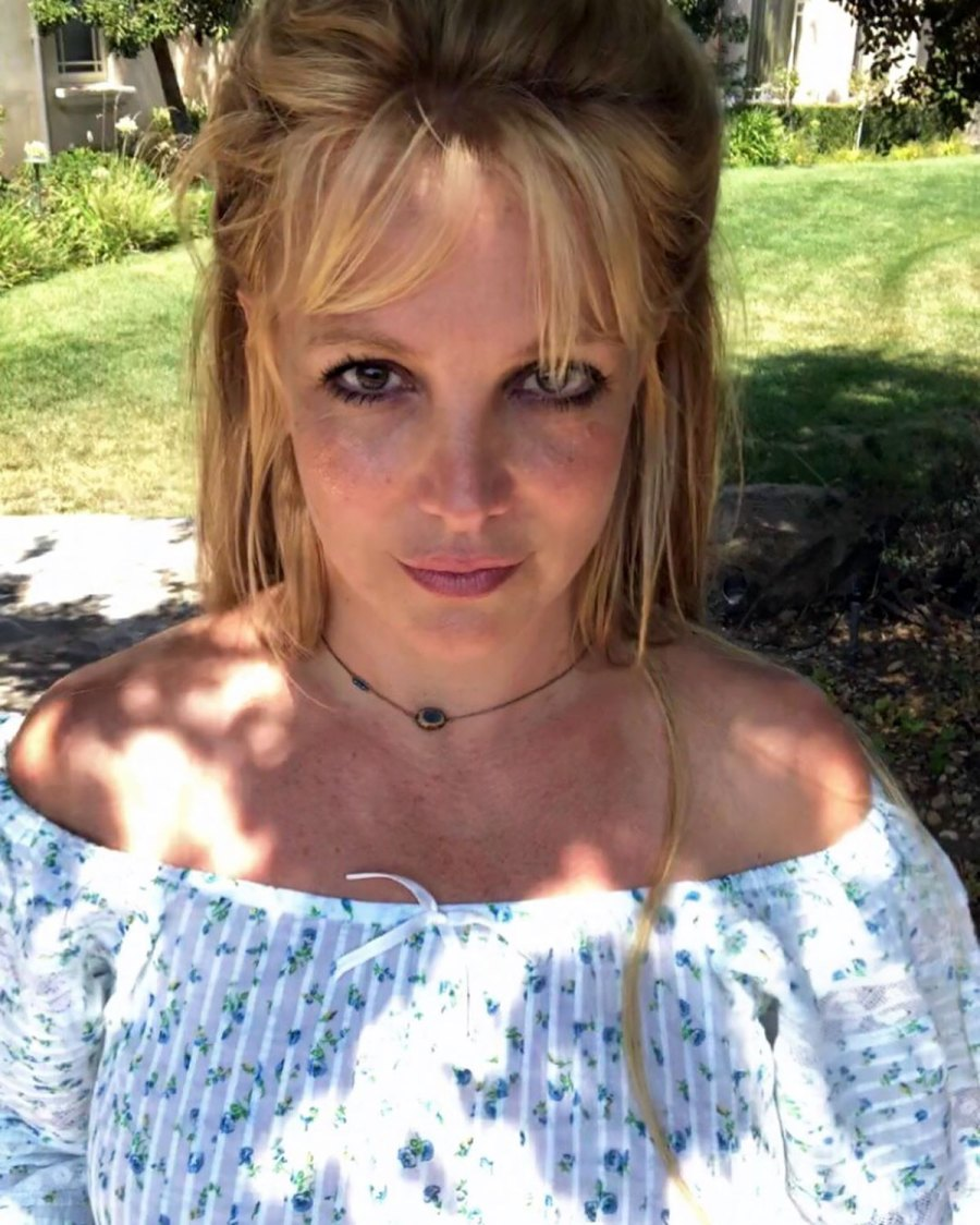 Britney Spears And More Stars Are Obsessed With Showing Us Their Freckles