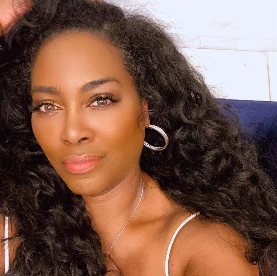'RHOA' Star Kenya Moore Embraces Her Grays in a Fire Selfie: Pic