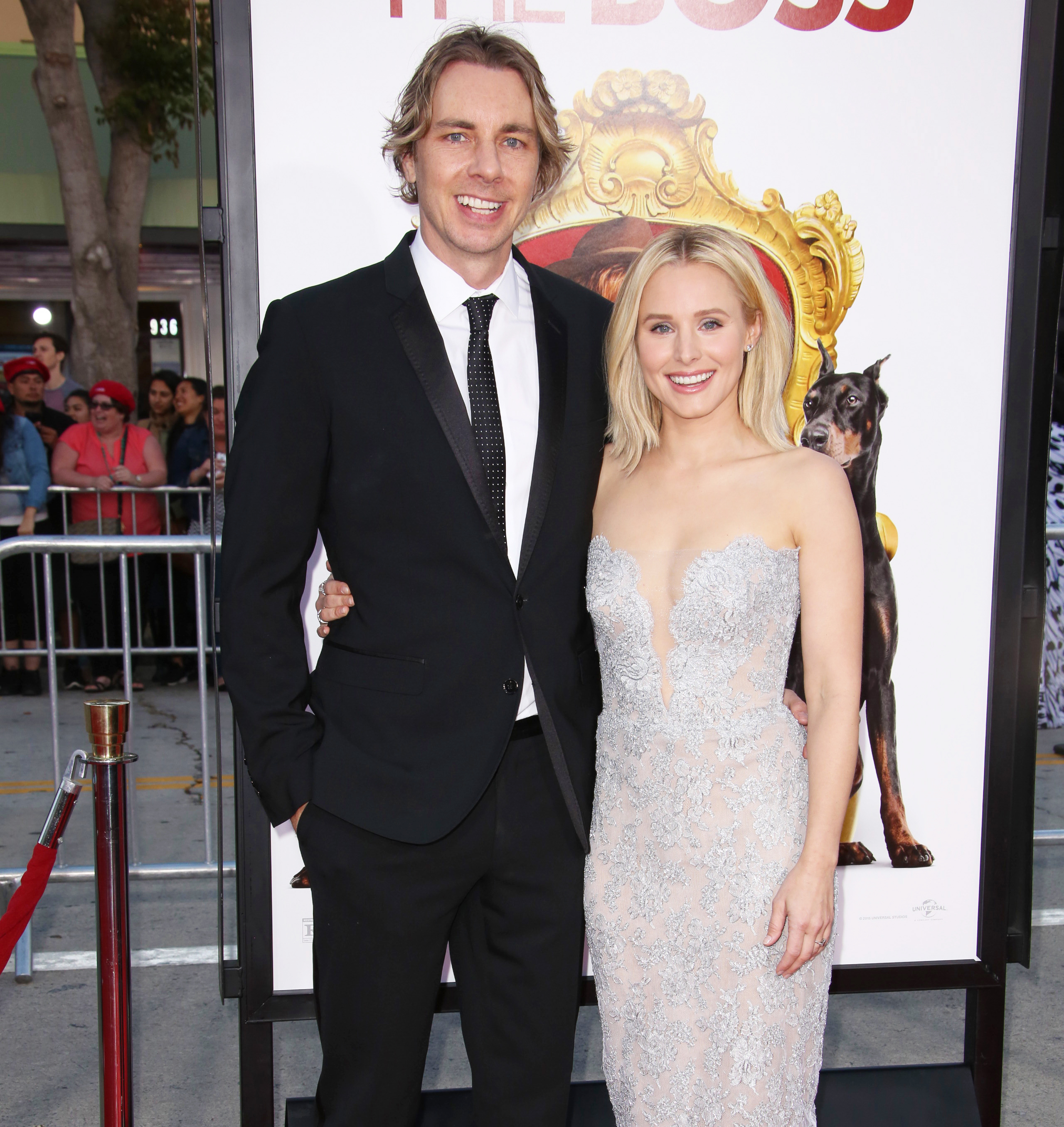 Kristen Bell Says Dax Shepard Is Safe After Motorcycle Accident Kristen bell height 5 feet 1 inches (155 cm/ 1.5 m) and weight 48 kg (110 lbs). kristen bell says dax shepard is safe