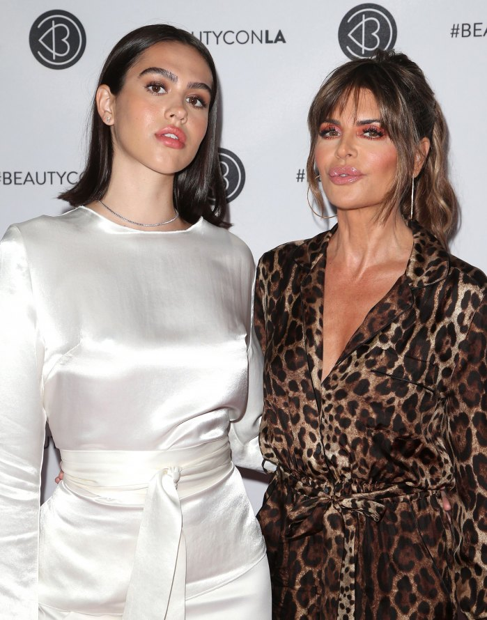 Lisa Rinna's Daughter Amelia Gray Hamlin Reveals Doctor Said She'd Be Dead in 4 Months Amid Eating Disorder