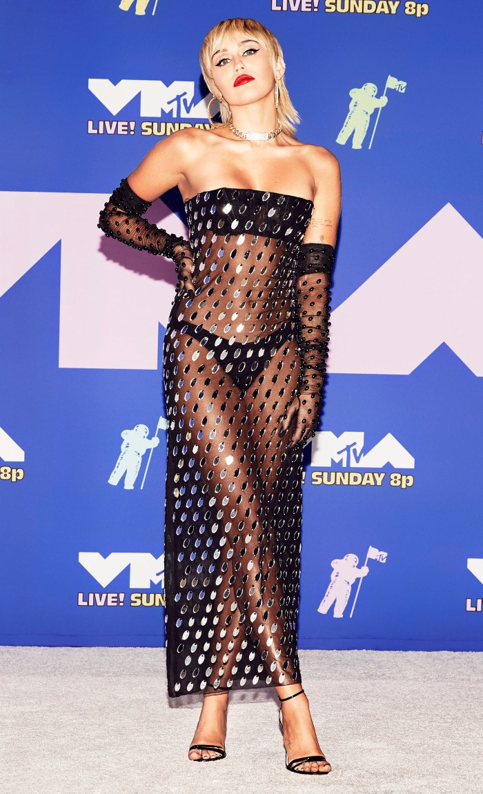 Top 5 Best Dressed Stars at the VMAs — Watch!