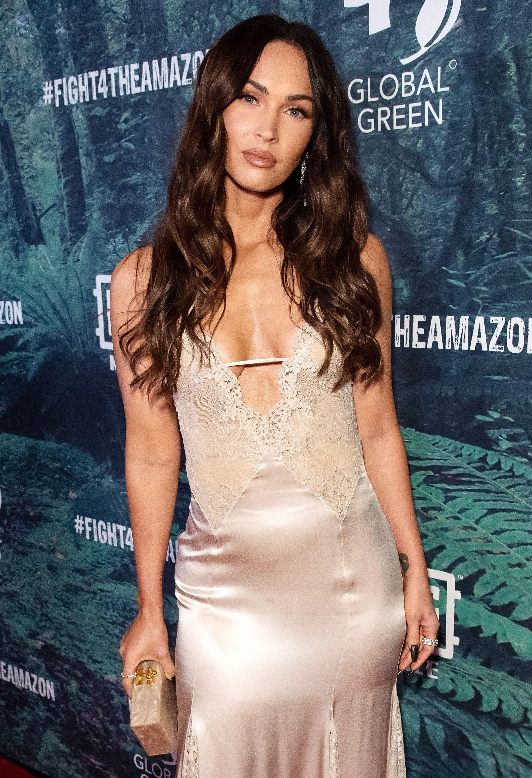 Megan Fox / Megan Fox Hits Out At Fake Post Claiming She
