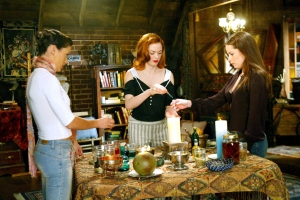 Rose McGowan Accuses Alyssa Milano of Making Charmed Set Toxic AF