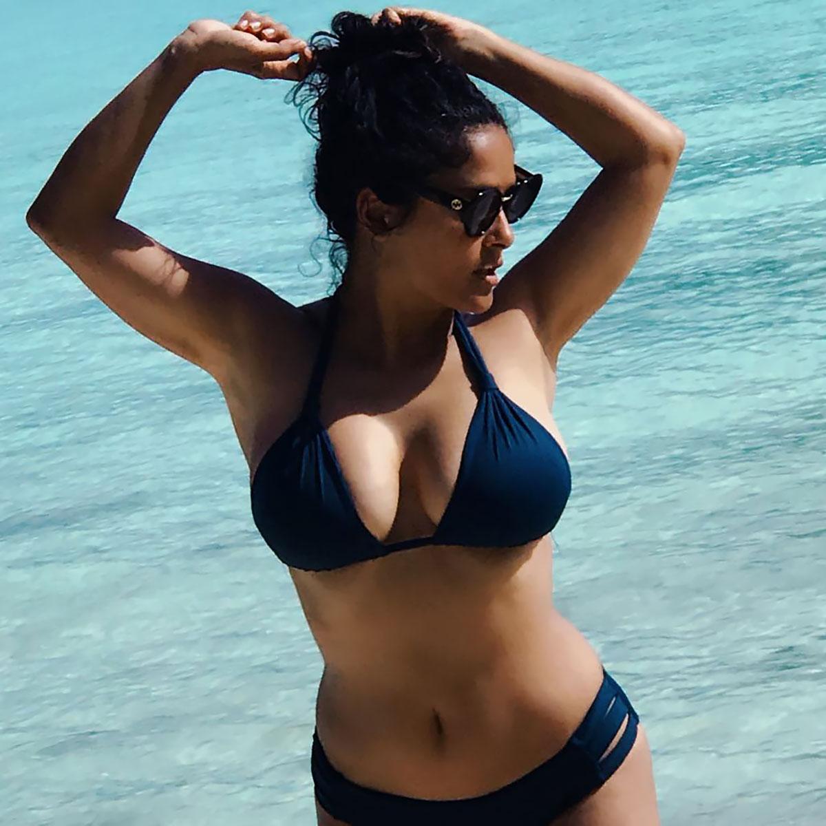 Salma-Hayek-Bikini-Body-Swim-Style-Slide