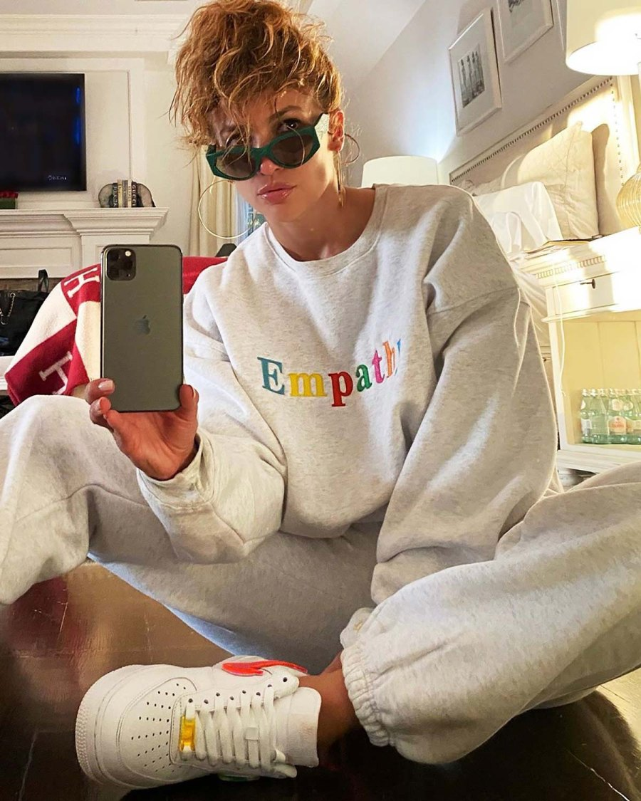 See the Stars' At-Home Style - Jennifer Lopez