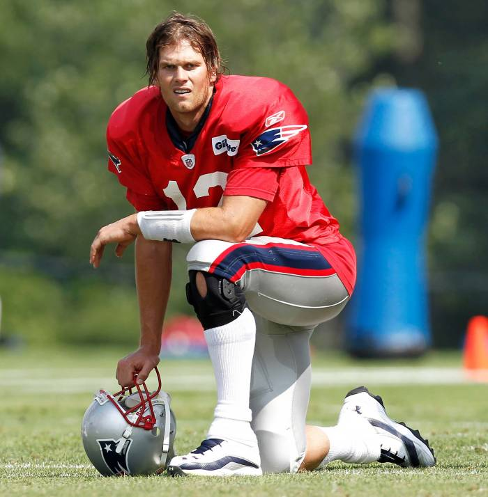 Why the Internet's Begging Tom Brady to Bring Back His 'Caveman Hair'