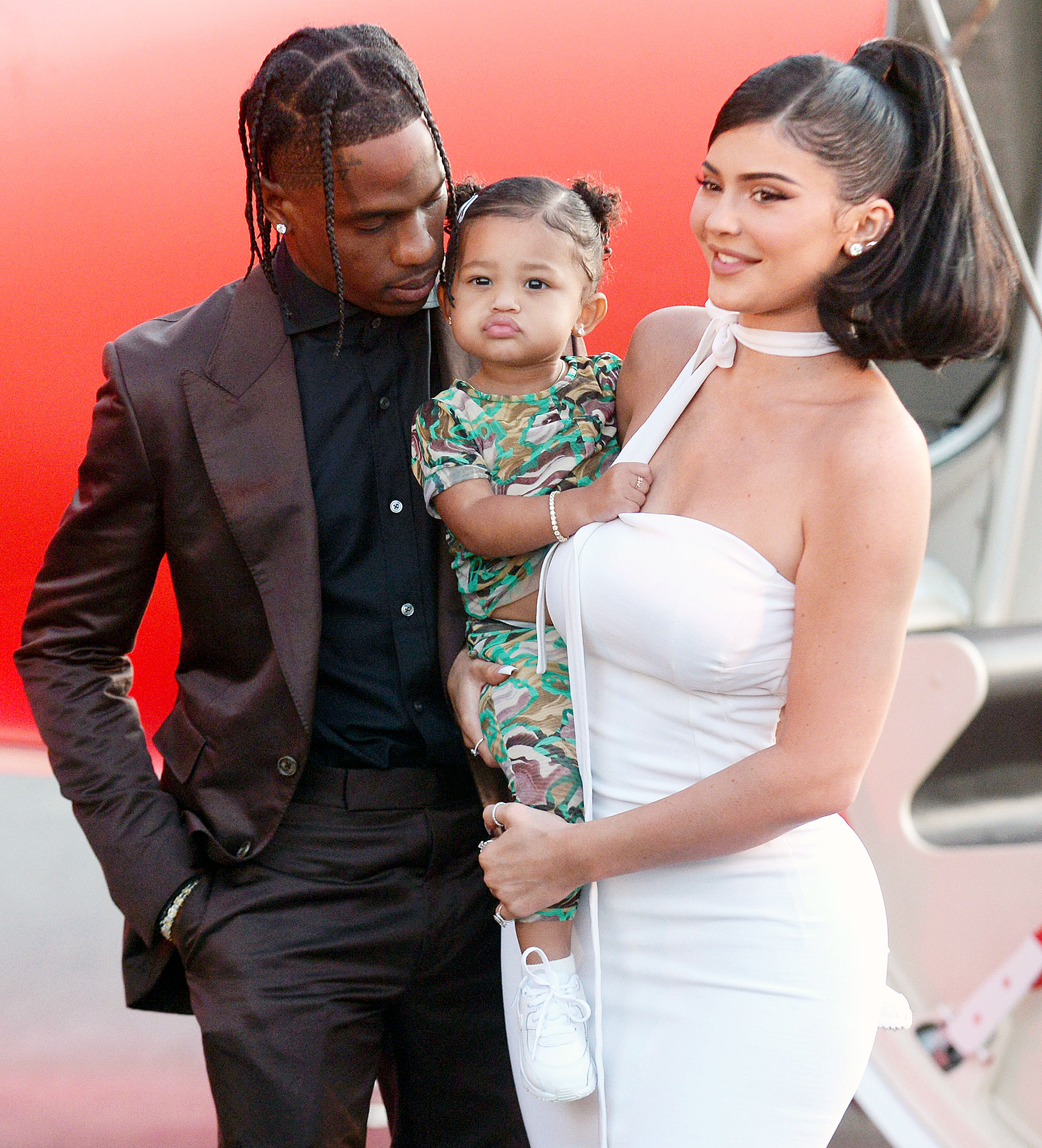 Travis Scott Is Always Instilling Knowledge In Daughter Stormi Travis in person the electric ball of excitement that we recognize as travis scott stands at 5'10, just two inches below 6 feet. travis scott is always instilling