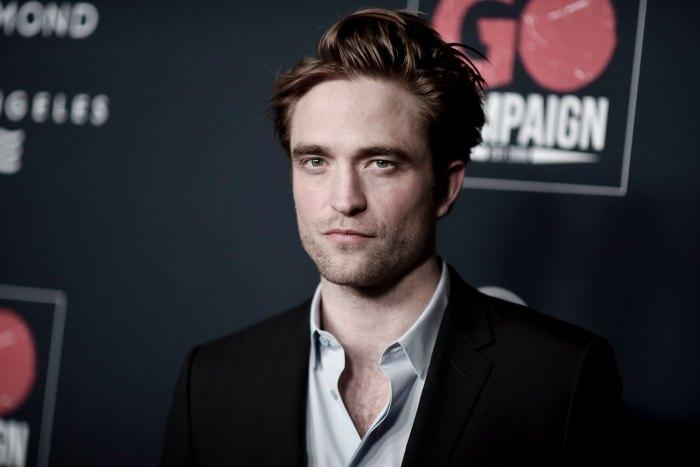 Robert Pattinson Is a Dark and Brooding Batman in 1st Teaser