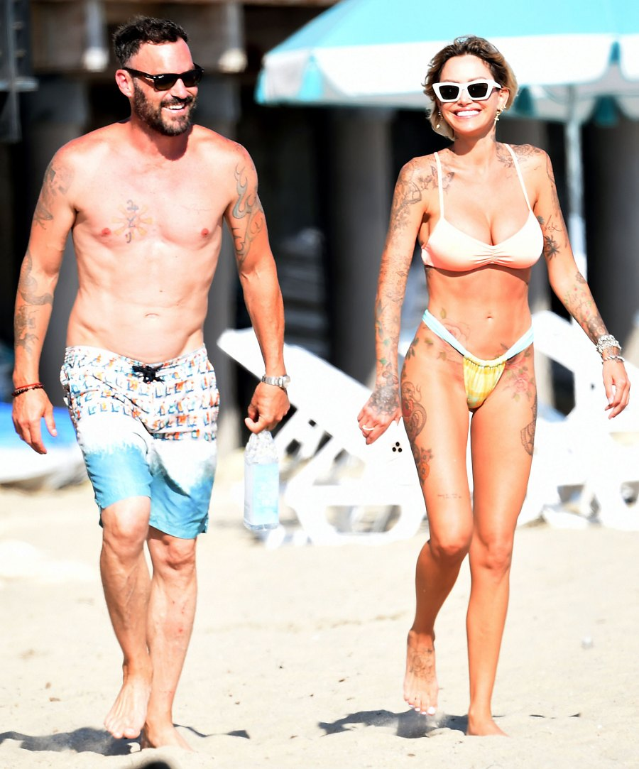 Back On Brian Austin Green Hits Beach With Tina Louise