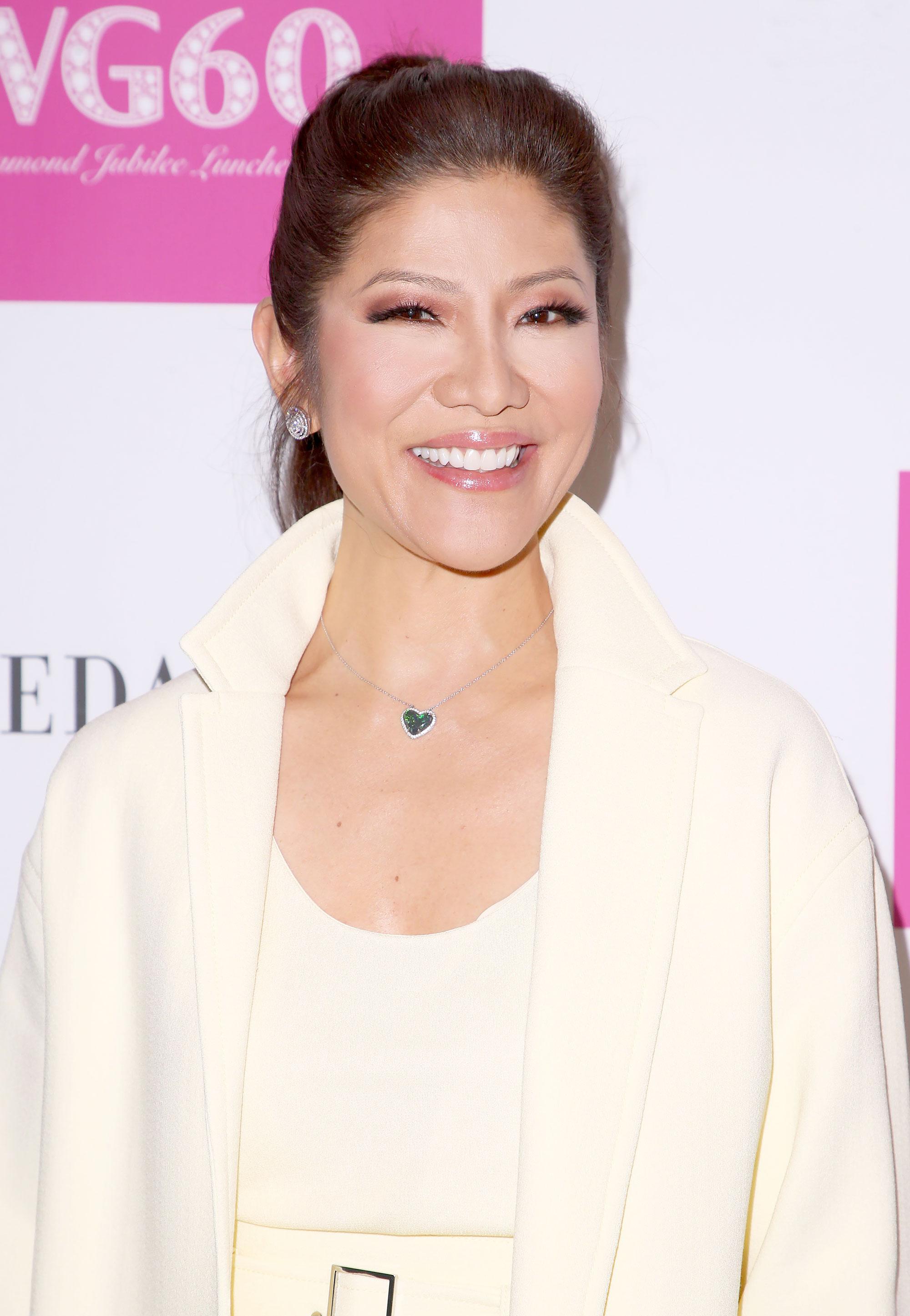 Julie Chen Shares Makeup Free Post