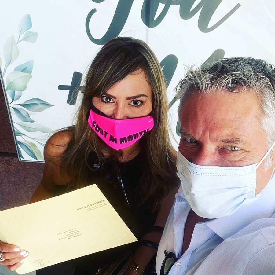 Real Housewives Of California Kelly Dodd Picks Up Marriage License With Fiance Rick Leventhal
