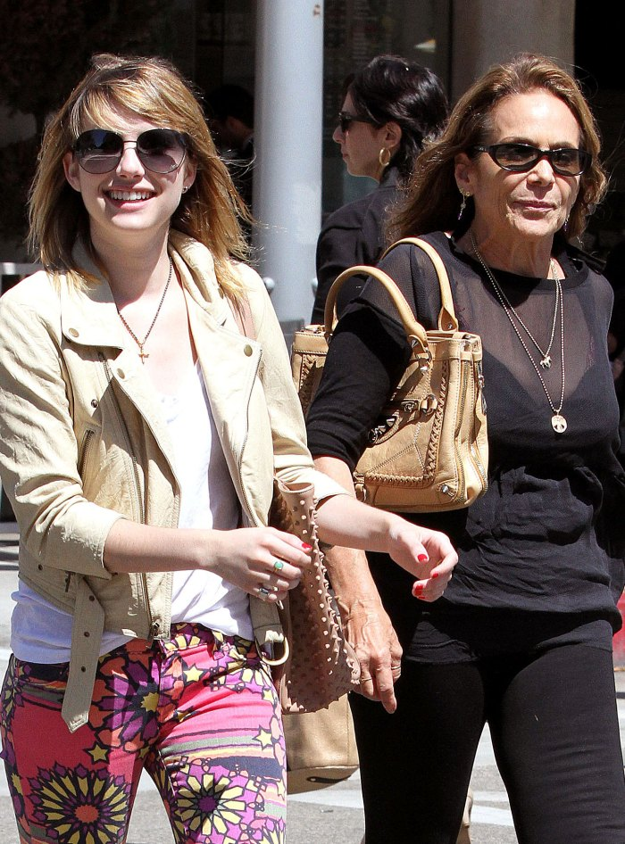 Emma Roberts Blocked Mom on Insta After She 'Spilled ...