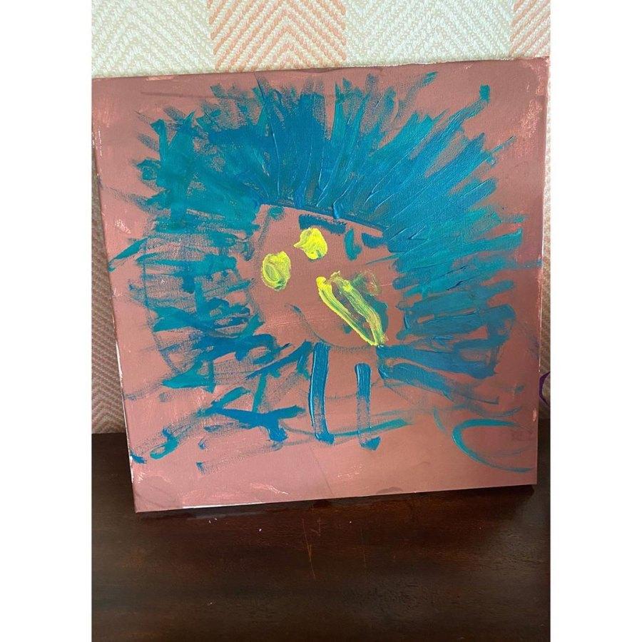 Eva Mendes Shows Daughter Amada Artwork
