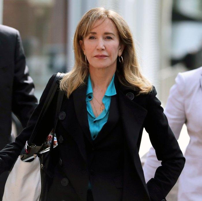 Felicity Huffman pide a la corte que le devuelva su pasaporte después de la cárcel