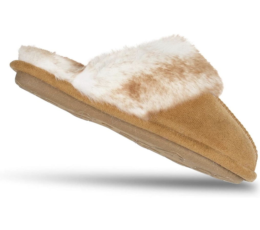 These Jessica Simpson Anti-Skid Slippers Make an Adorable Holiday Gift