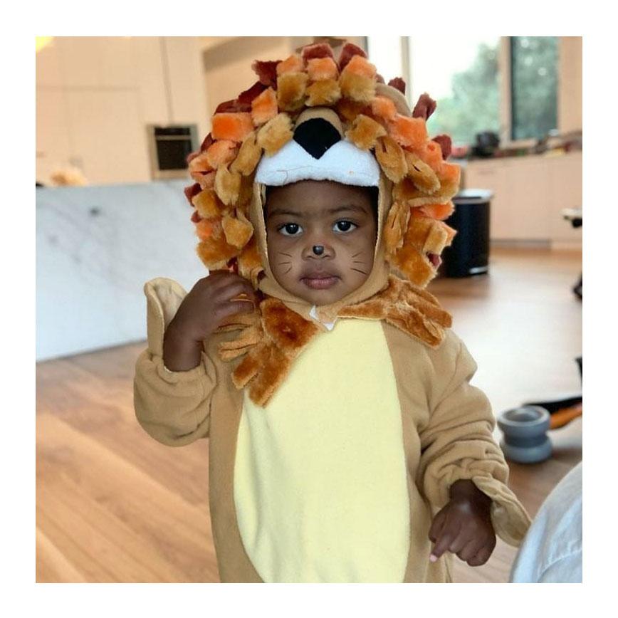 Kaavia Wade Halloween Lion Gabrielle Union-Wade
