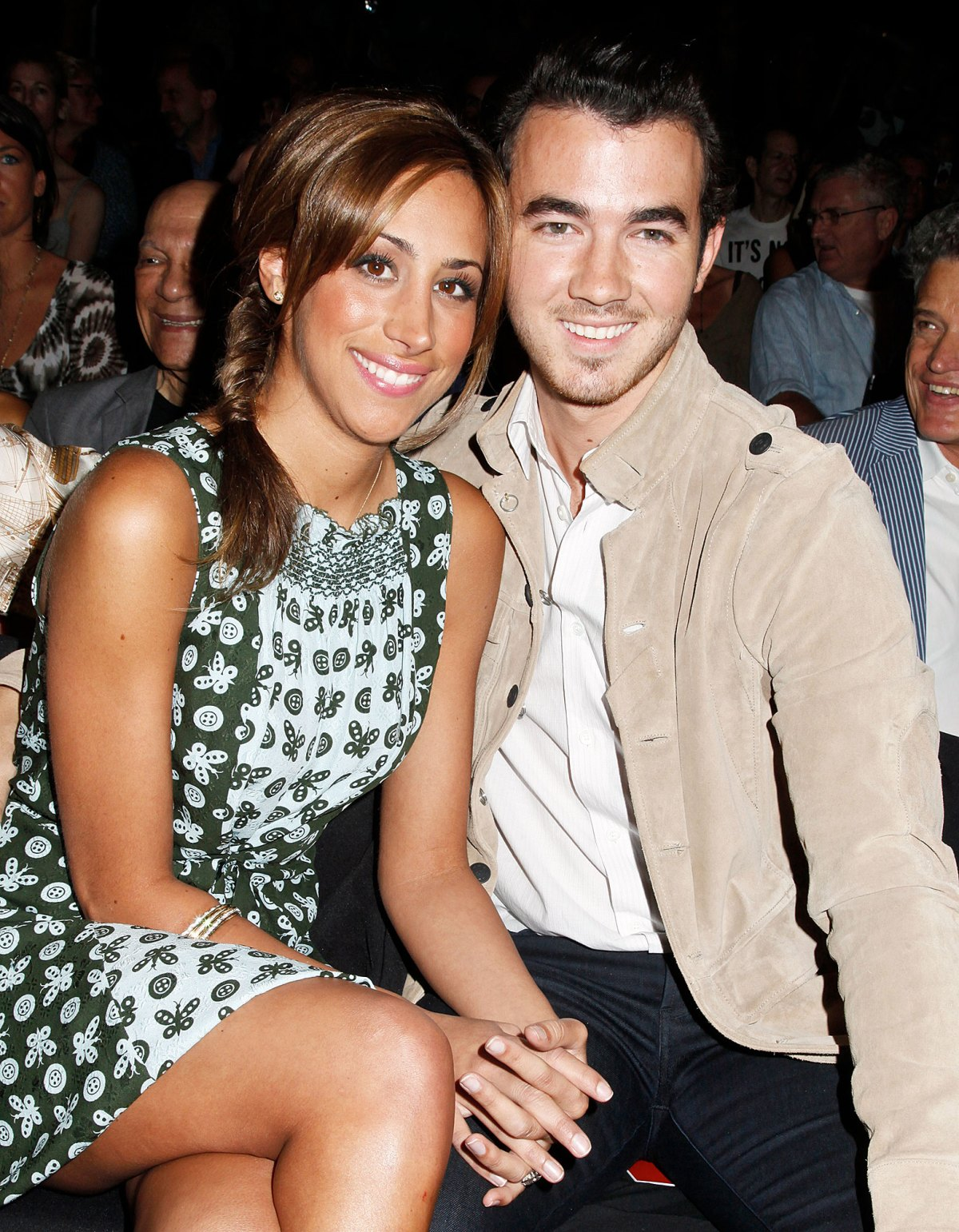 Whos dating kevin jonas what makes people intimidating
