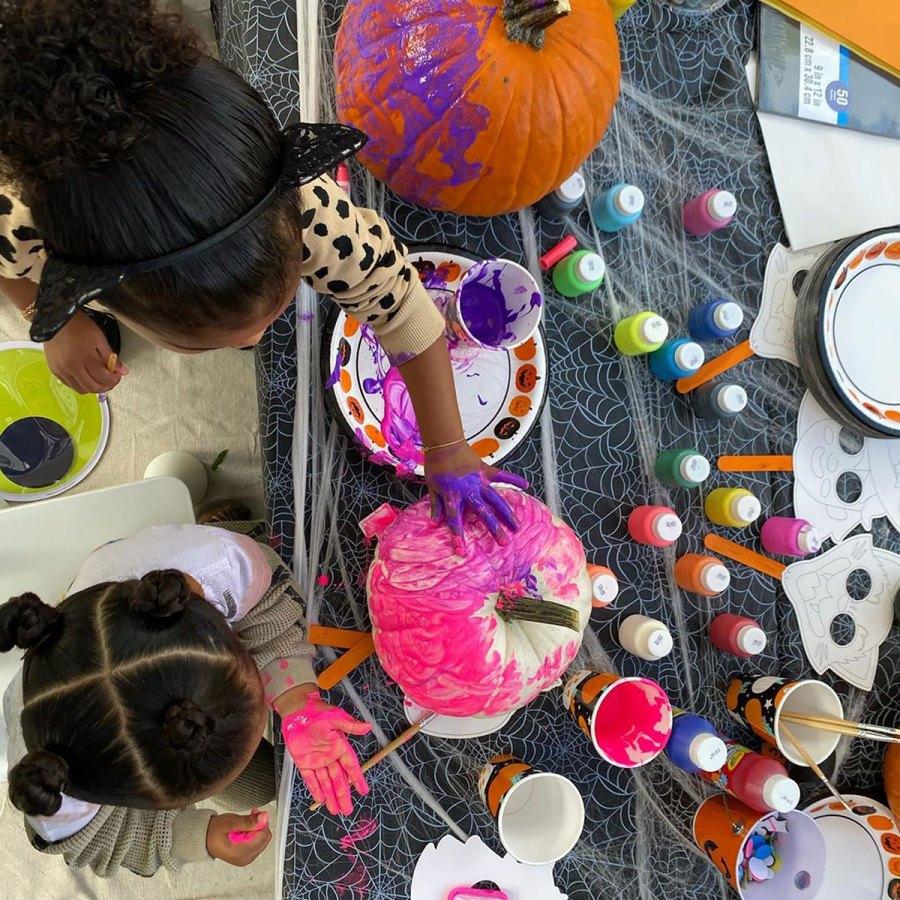 Khloe Kardashian Paints Pumpkins With Kardashian-Jenner Kids: Halloween Party Pics
