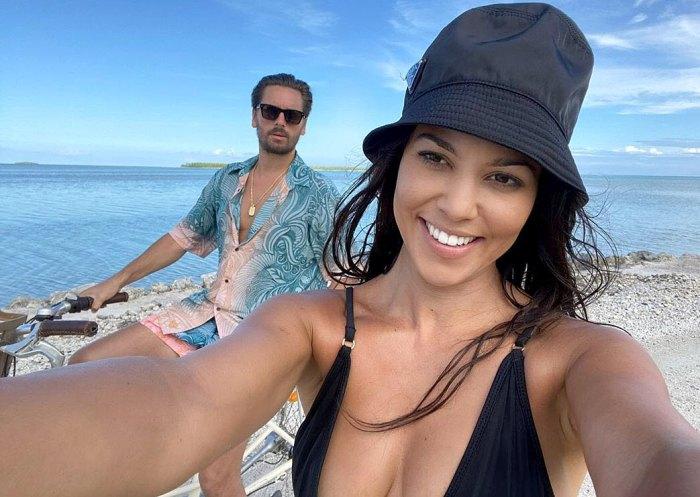 Kourtney Kardashian posa para fotos de vacaciones acogedoras con Scott Disick