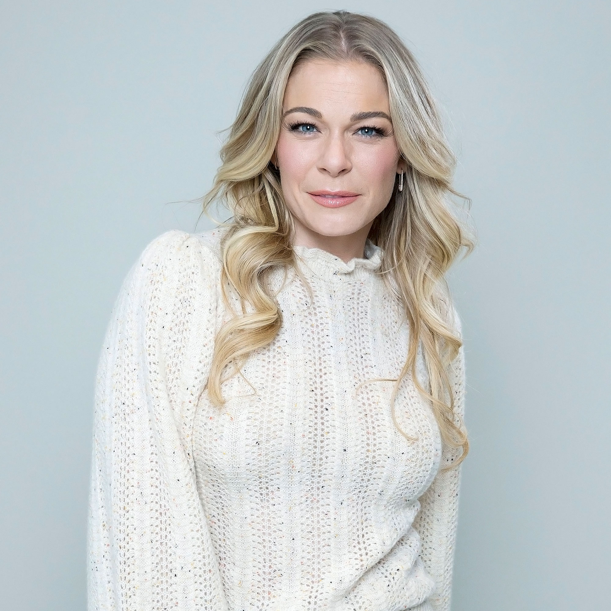 LeAnn Rimes Poses Nude After Psoriasis Returns for 1st
