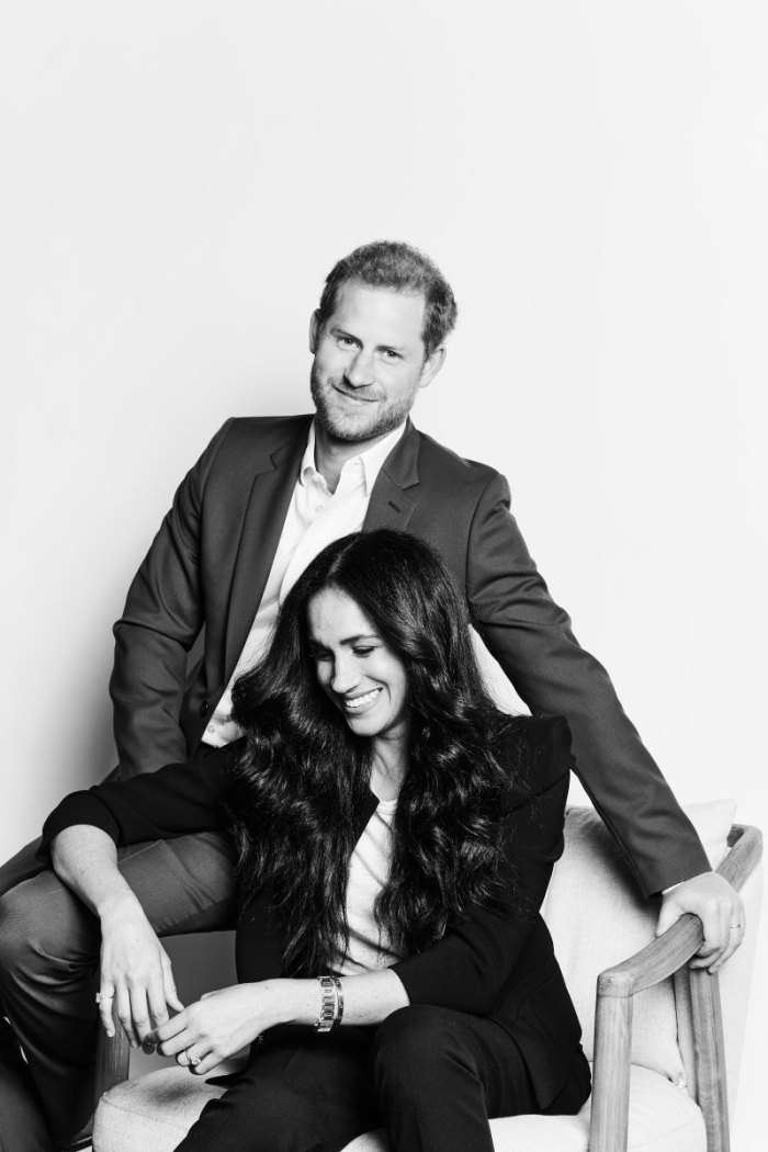 Megan Markle and Prince Harry Share 1st Official Portrait Since Stepping Down as Senior Royals