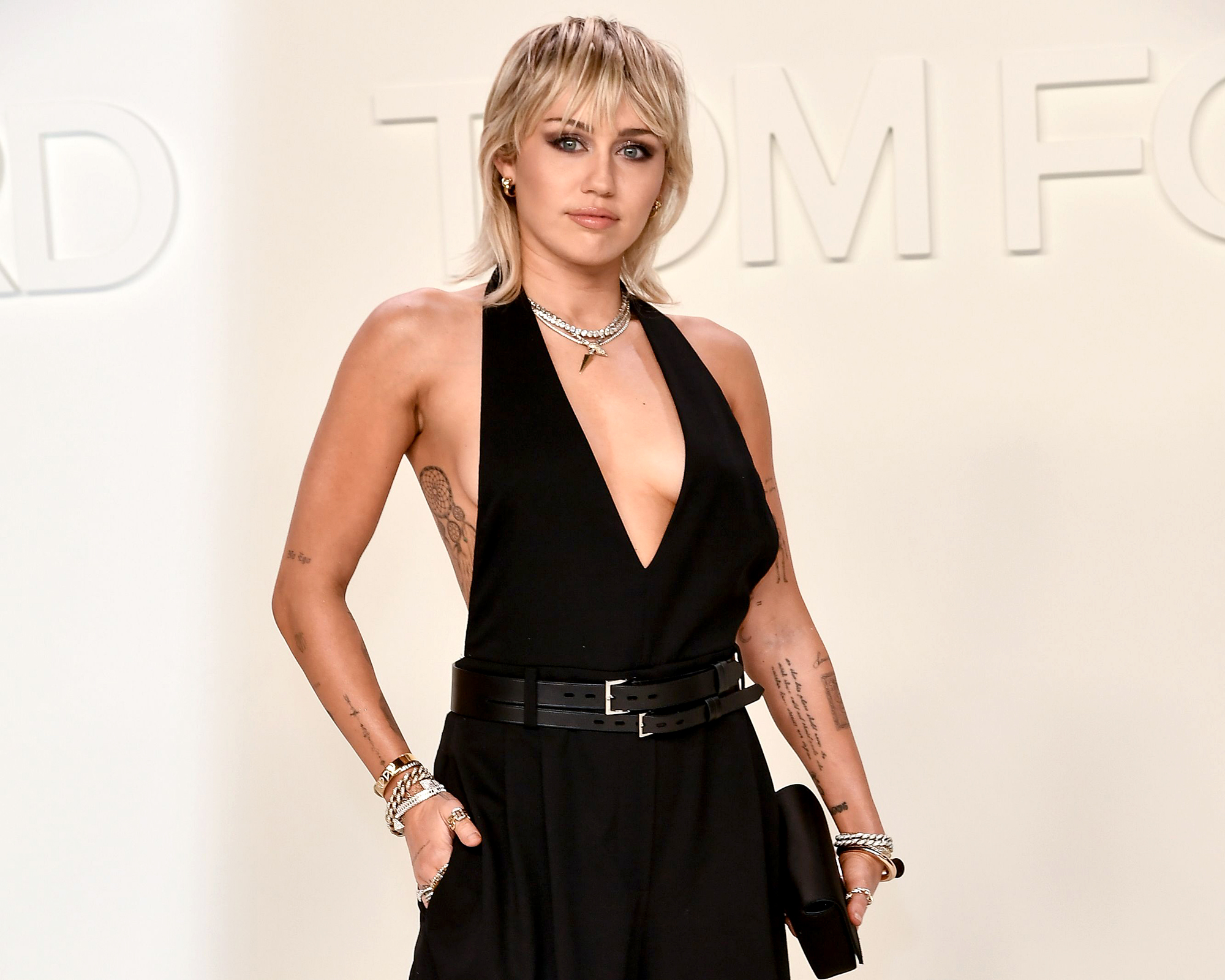 Miley Cyrus Says She Saw a UFO, Made Eye Contact With an Alien
