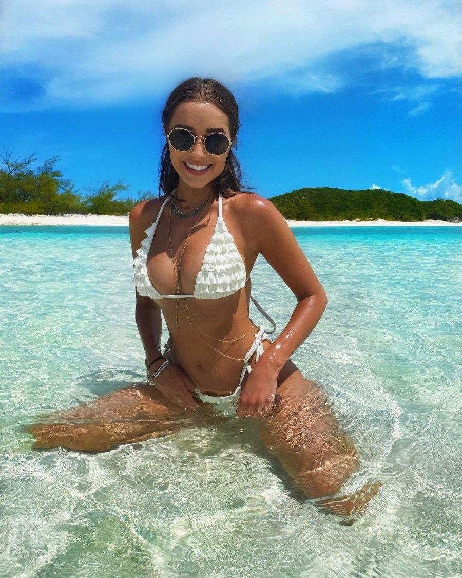 Olivia Culpo Hottest Bikini Pics