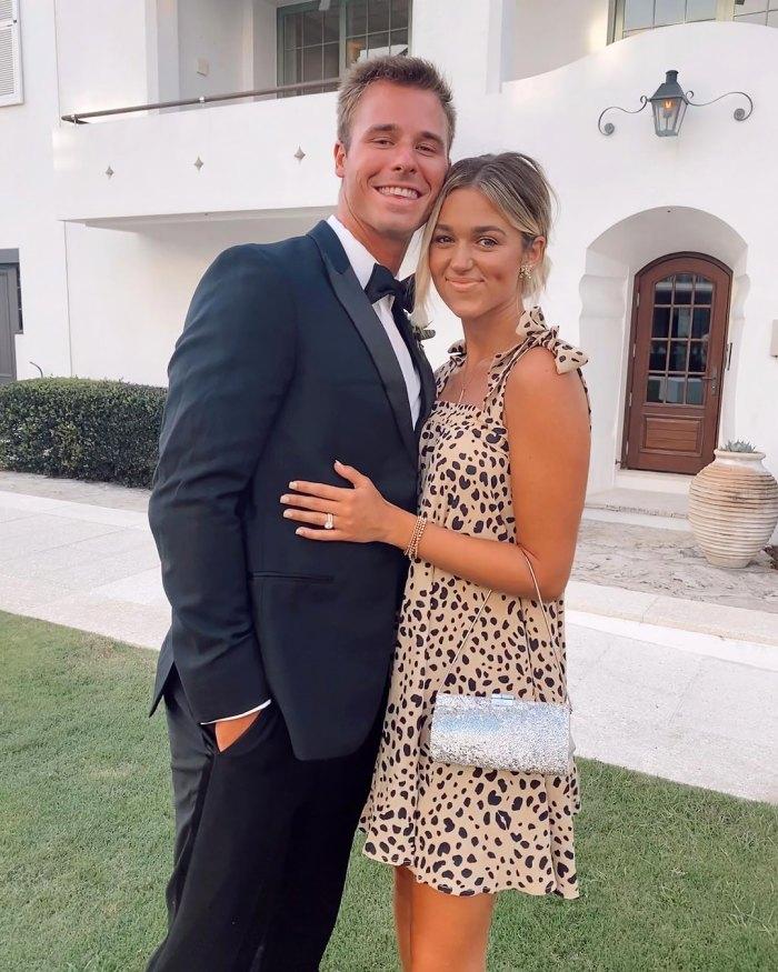La embarazada Sadie Robertson estaba 'súper sorprendida' al descubrir que estaba esperando su primer hijo con su esposo Christian Huff