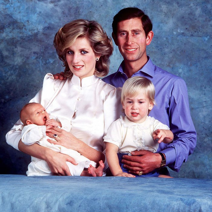 El príncipe William sintió desdén por el príncipe Carlos cuando era joven, Diana Harry