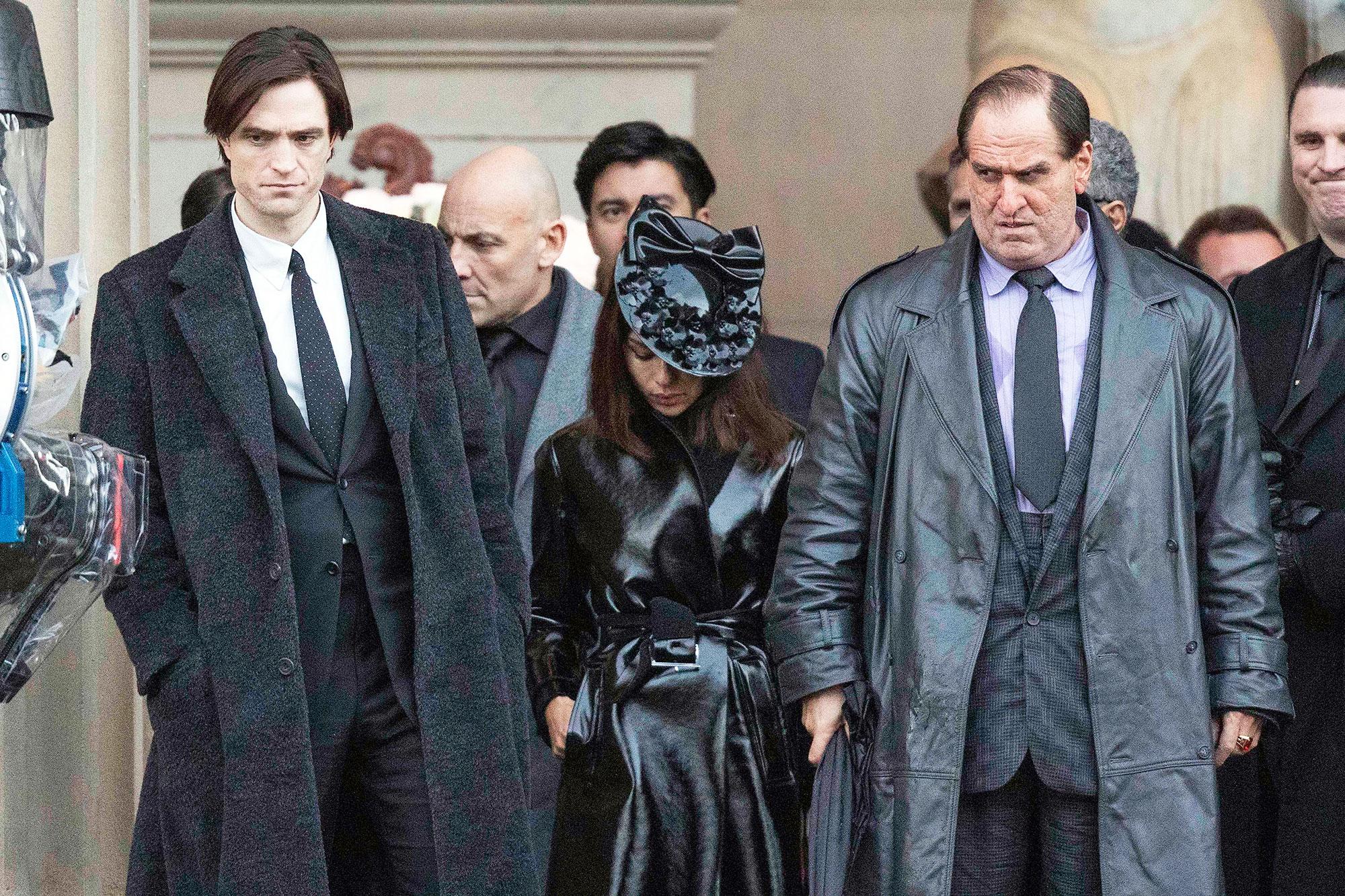 Robert Pattinson Returns to 'Batman' Set After COVID-19 Delays