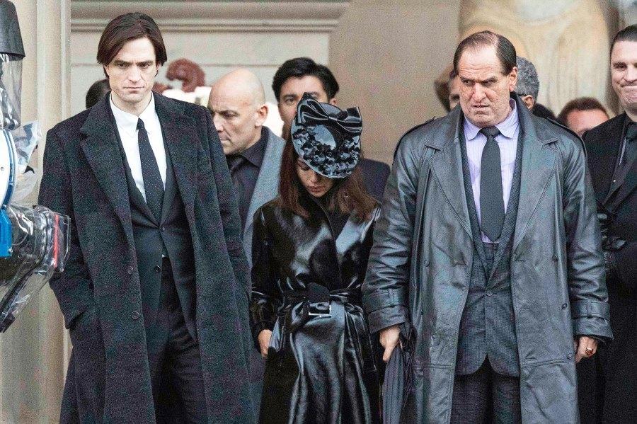 Robert Pattinson Zoe Kravitz and Unrecognizable Colin Farrell on Batman Set
